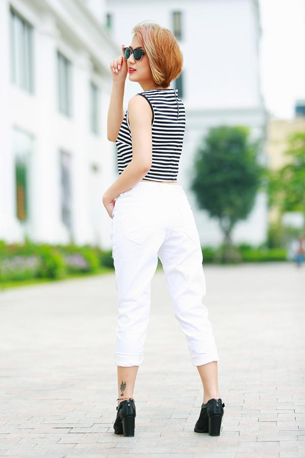 Trang Cherry quần jeans, áo hai dây sexy xuống phố - Ảnh 11