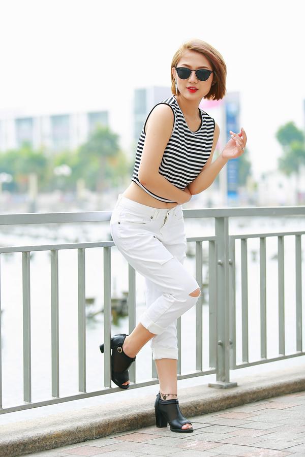 Trang Cherry quần jeans, áo hai dây sexy xuống phố - Ảnh 9