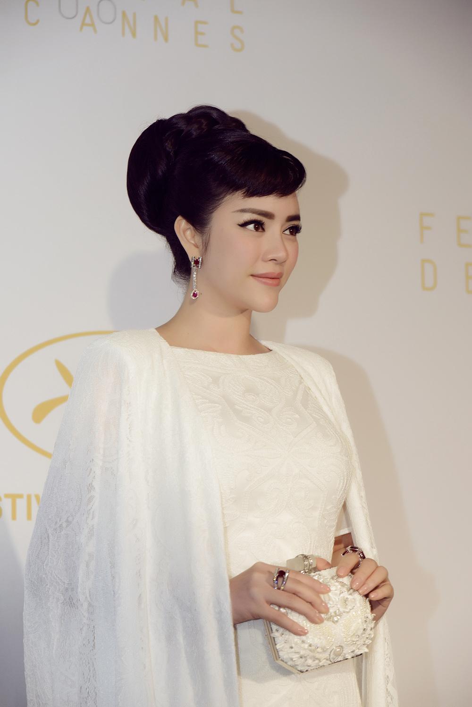 Lý Nhã Kỳ tinh khôi đọ sắc Phạm Băng Băng trên thảm đỏ Cannes - Ảnh 12