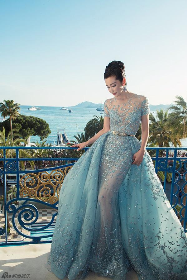 Lý Băng Băng diện váy xuyên thấu sexy trên thảm đỏ Cannes - Ảnh 5