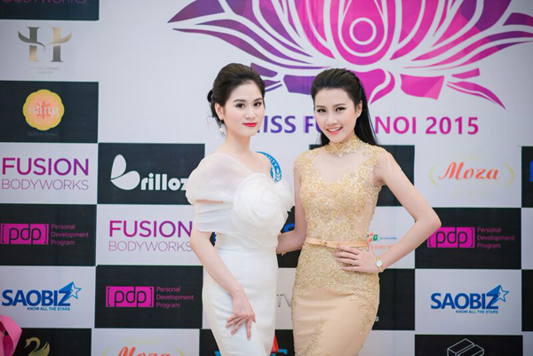 Top 5 Hoa hậu Việt Nam diện đầm ren ôm sát gợi cảm cháy bỏng - Ảnh 3