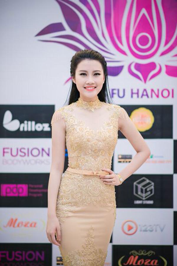 Top 5 Hoa hậu Việt Nam diện đầm ren ôm sát gợi cảm cháy bỏng - Ảnh 1