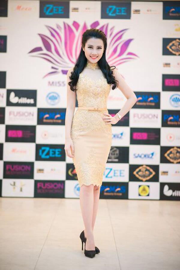 Top 5 Hoa hậu Việt Nam diện đầm ren ôm sát gợi cảm cháy bỏng - Ảnh 5