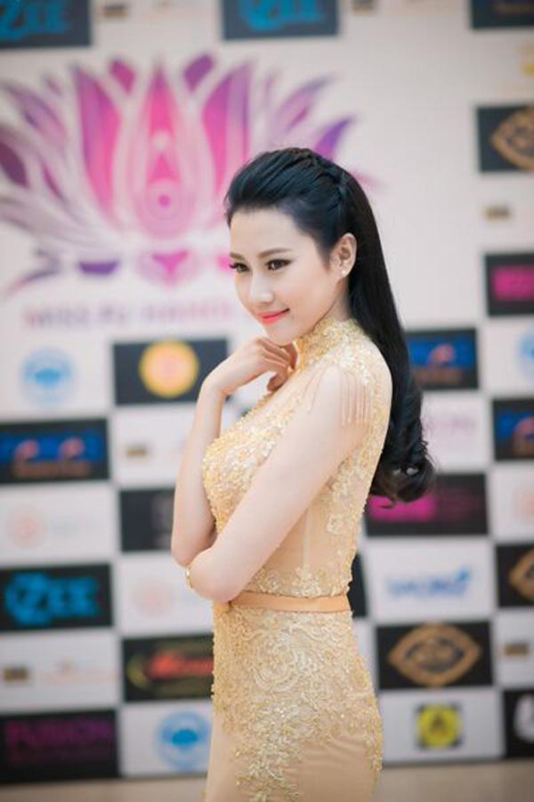Top 5 Hoa hậu Việt Nam diện đầm ren ôm sát gợi cảm cháy bỏng - Ảnh 7