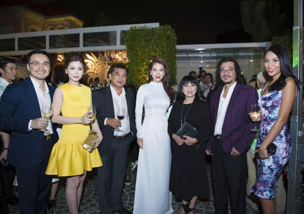 """Trương Ngọc Ánh gặp gỡ Nick Út - tác giả bức ảnh """"Em bé Napalm"""" - Ảnh 6"""