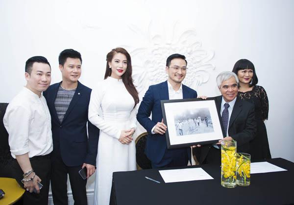 """Trương Ngọc Ánh gặp gỡ Nick Út - tác giả bức ảnh """"Em bé Napalm"""" - Ảnh 8"""