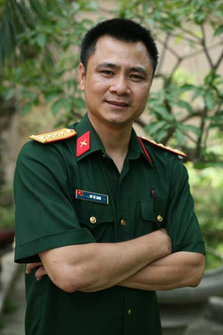 Tự Long lên NSND, Hoài Linh được phong NSƯT - Ảnh 1
