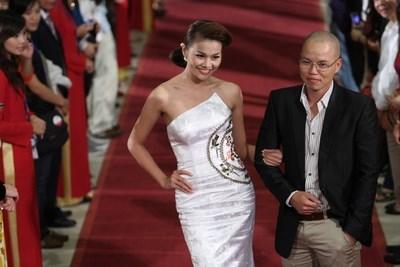 Duyên nợ của siêu mẫu Thanh Hằng với đàn ông đầu trọc trong showbiz  - Ảnh 4