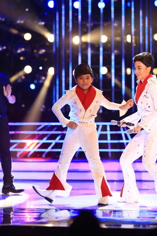 Gương mặt thân quen nhí 2015 tập 4: Minh Khang đá chân hệt Elvis Presley - Ảnh 1