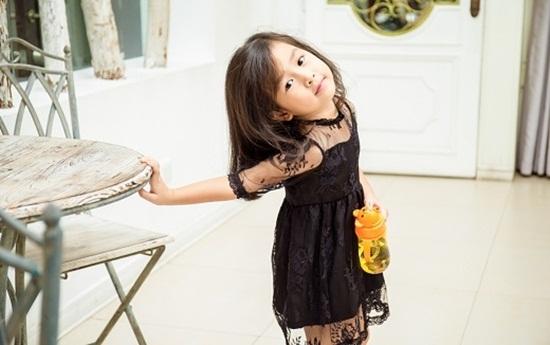 """Vẻ đẹp """"thiên thần"""" của con gái Lưu Hương Giang - Hồ Hoài Anh - Ảnh 1"""