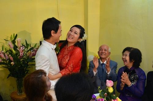 """Con trai Chế Linh bảnh bao đón Thanh Thanh Hiền """"về dinh"""" - Ảnh 5"""
