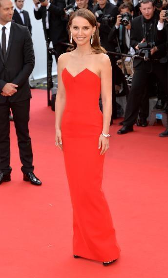 Những bộ cánh lộng lẫy của sao trên thảm đỏ LHP Cannes 2015 - Ảnh 11