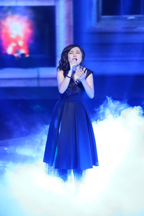 Giọng hát Việt liveshow 2: Tuấn Hưng nghẹn ngào rơi nước mắt khi tâm sự về bố - Ảnh 1