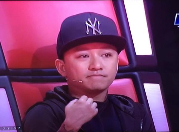 Giọng hát Việt liveshow 2: Tuấn Hưng nghẹn ngào rơi nước mắt khi tâm sự về bố - Ảnh 3