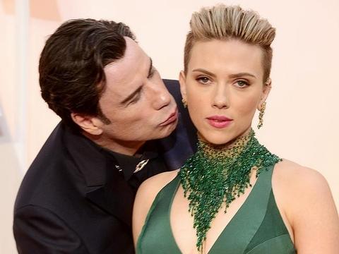"""Ngày quốc tế nụ hôn gợi nhớ những màn """"khóa môi"""" gây sốc - Ảnh 5"""