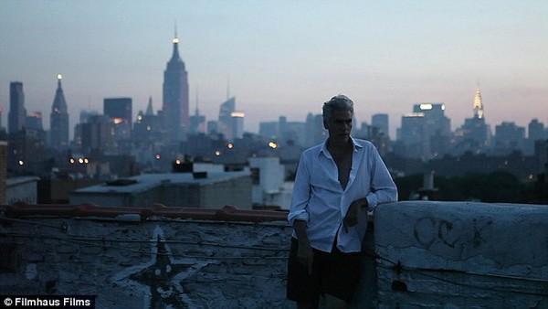Mark Reay: Ban ngày làm người mẫu, đêm làm người vô gia cư - Ảnh 8