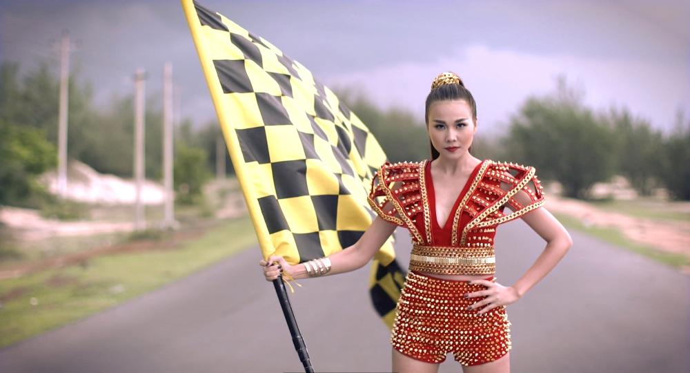 Thanh Hằng khai màn cuộc đua Vietnam's Next Top Model 2015 - Ảnh 3