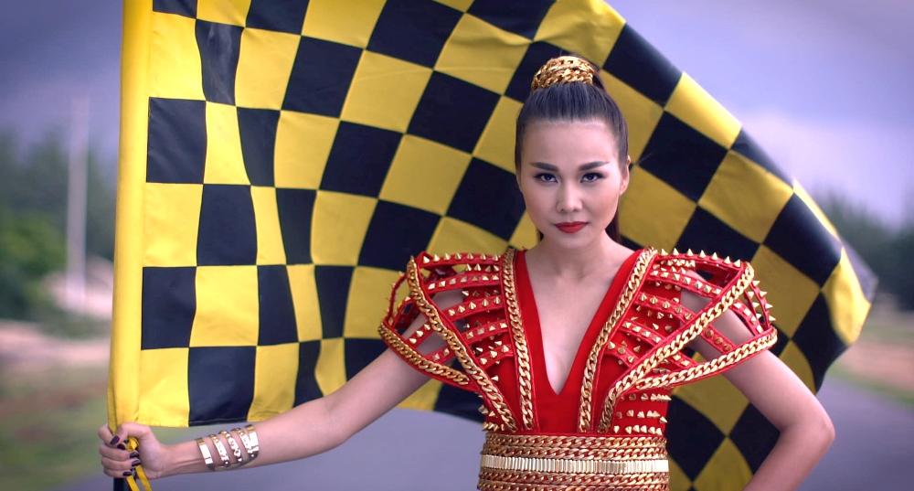 Thanh Hằng khai màn cuộc đua Vietnam's Next Top Model 2015 - Ảnh 1