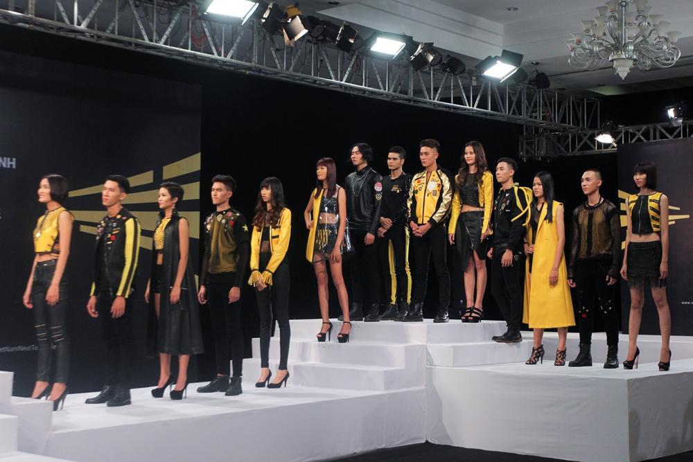 """Vietnam's Next Top Model 2015 tập 2: Thí sinh """"vồ ếch"""" vì đi giày 20cm - Ảnh 2"""