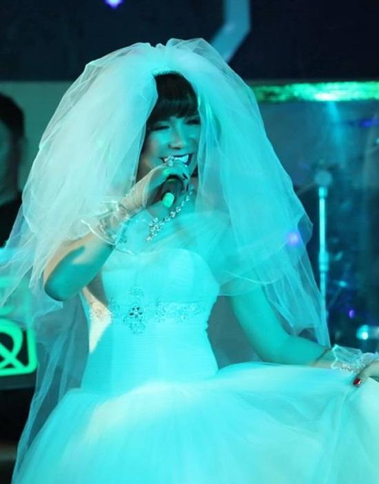 Nam ca sĩ thích mặc váy nhất Việt Nam - Ảnh 9
