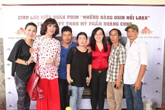 Nam ca sĩ thích mặc váy nhất Việt Nam - Ảnh 10