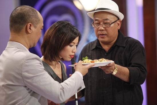 Vua đầu bếp 2015 tập 1: Christine Hà và Hoàng Khải bất đồng ý kiến - Ảnh 3