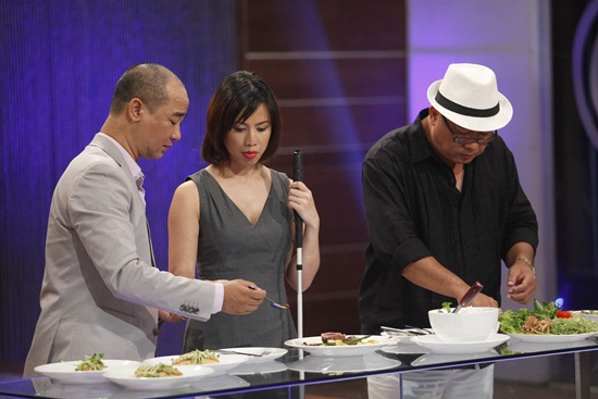 Vua đầu bếp 2015 tập 1: Christine Hà và Hoàng Khải bất đồng ý kiến - Ảnh 4