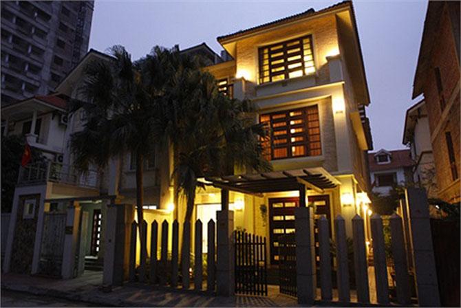 Ngôi nhà lung linh ánh đèn giữa Thủ đô của Hồ Quỳnh Hương - Ảnh 1