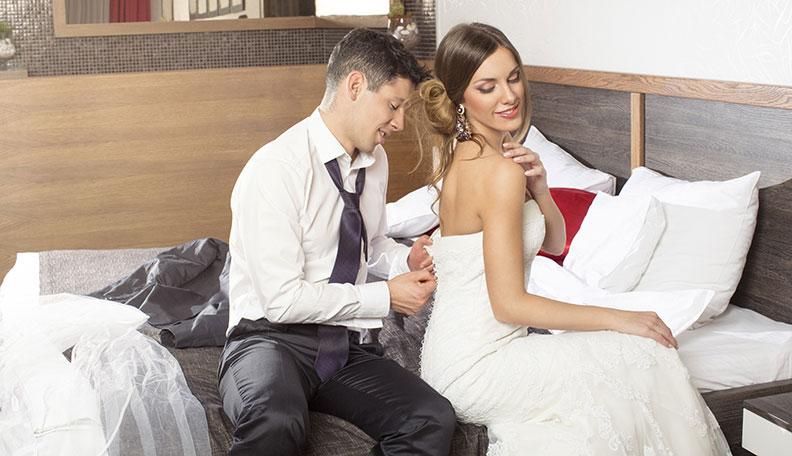 Đêm tân hôn có thể làm gì khác ngoài chuyện yêu? - Ảnh 1