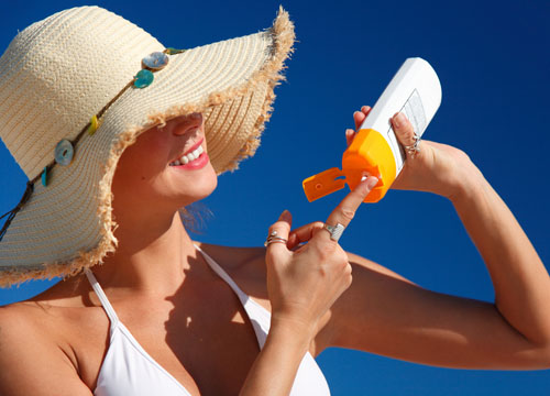 Cách bảo vệ bản thân khỏi ung thư da trong mùa hè - Ảnh 2