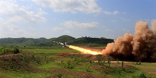 Xem video Việt Nam thử thành công tên lửa phòng không cải tiến - Ảnh 1