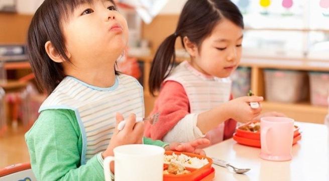 Vì sao ăn cơm chan canh không tốt cho sức khỏe? - Ảnh 1