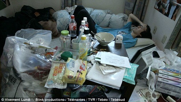 1 triệu đàn ông Nhật Bản đang chạy trốn xã hội trong phòng ngủ - Ảnh 1