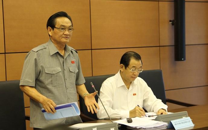 Đại biểu Quốc hội đề nghị mạnh dạn cắt chi lễ lạt để tăng lương - Ảnh 1