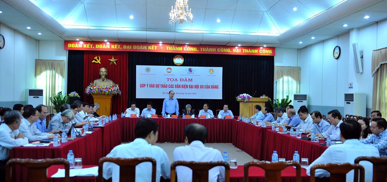Nhiều góp ý tâm huyết vào dự thảo văn kiện Đại hội XII của Đảng - Ảnh 2