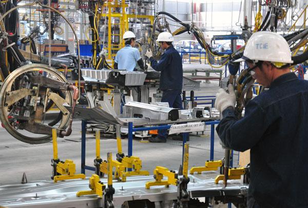 Tăng lương tối thiểu: DN không được cắt chế độ của người lao động - Ảnh 2