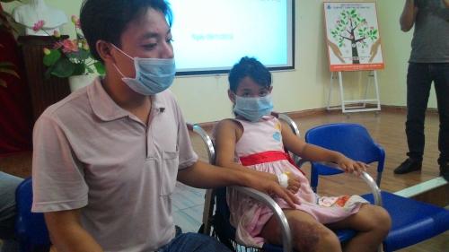 """Cứu bé gái mắc hội chứng hiếm gặp """"dị dạng tĩnh mạch vùng chậu"""" - Ảnh 2"""