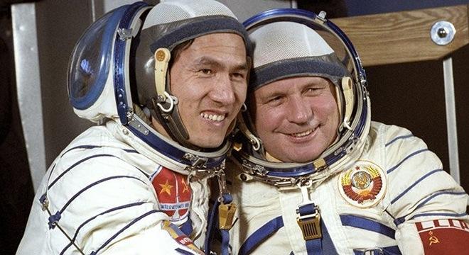 Anh hùng Phạm Tuân và hồi ức chưa tiết lộ về chuyến du hành vũ trụ 35 năm trước  - Ảnh 1