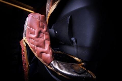 Chiêm ngưỡng ghế em bé trên xe chống đạn đắt nhất thế giới - Ảnh 3