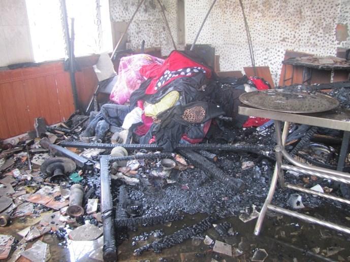 Cháy nhà do thắp hương cúng rằm tại Thanh Hóa - Ảnh 2