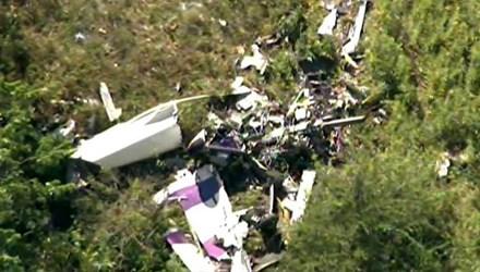 Máy bay rơi khi diễn tập nhào lộn, một phi công thiệt mạng - Ảnh 1