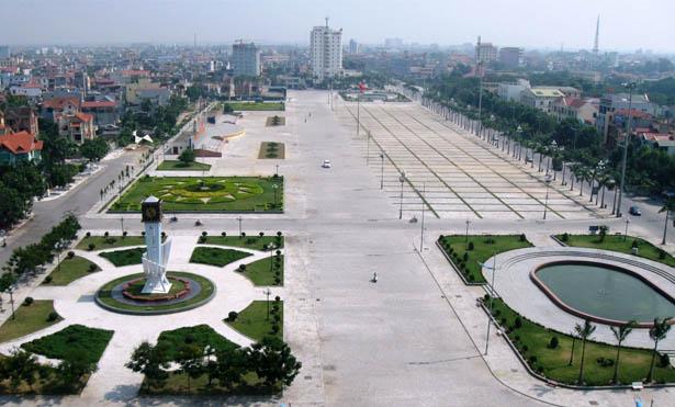 """Thủ tướng Chính phủ trả lời chất vấn về """"phong trào"""" xây quảng trường - Ảnh 1"""
