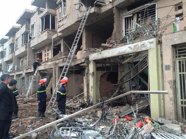 Chủ tịch UBND TP Hà Nội trực tiếp chỉ đạo cứu nạn vụ nổ lớn tại Hà Đông - Ảnh 2