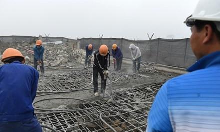 Sở Xây dựng đề nghị khẩn trương phá dỡ tòa nhà 8B Lê Trực - Ảnh 1