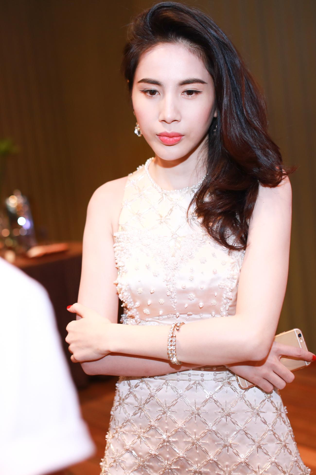 Con gái Đoan Trang mũm mĩm đáng yêu khi xuất hiện cùng mẹ - Ảnh 5