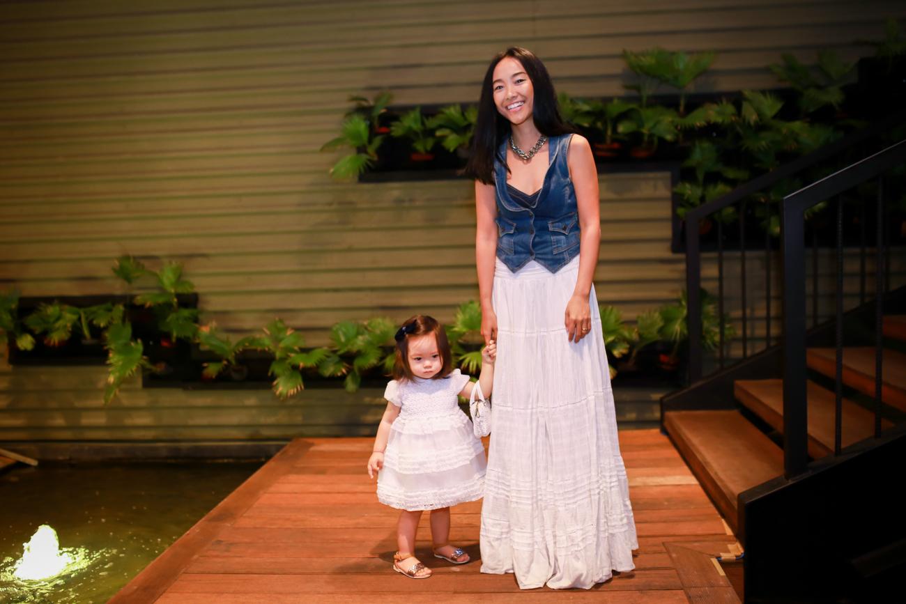 Con gái Đoan Trang mũm mĩm đáng yêu khi xuất hiện cùng mẹ - Ảnh 4