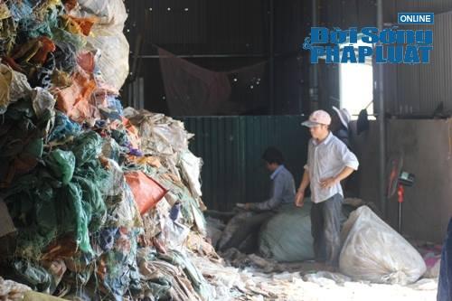 Xưởng tái chế bao bì mọc lên, chính quyền không hề hay biết? - Ảnh 4