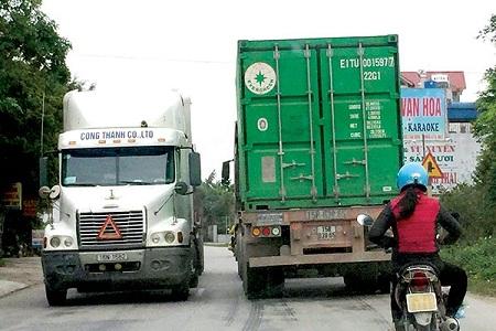 Xe né thu phí cao tốc Hà Nội-Hải Phòng, tỉnh lộ 391 kêu cứu - Ảnh 1