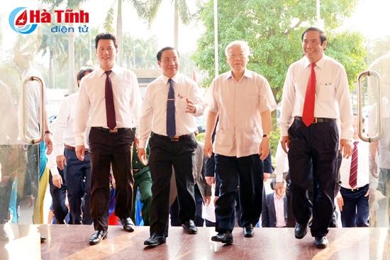 Tổng Bí thư Nguyễn Phú Trọng thăm, làm việc tại Hà Tĩnh - Ảnh 1