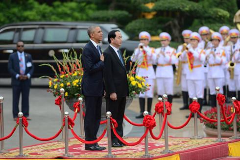 Ấn tượng về ngày đầu Tổng thống Obama thăm Việt Nam - Ảnh 1